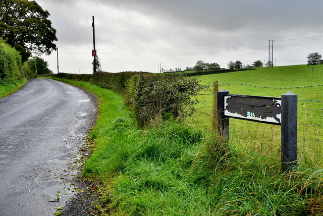 Damaged road sign, Kivlin