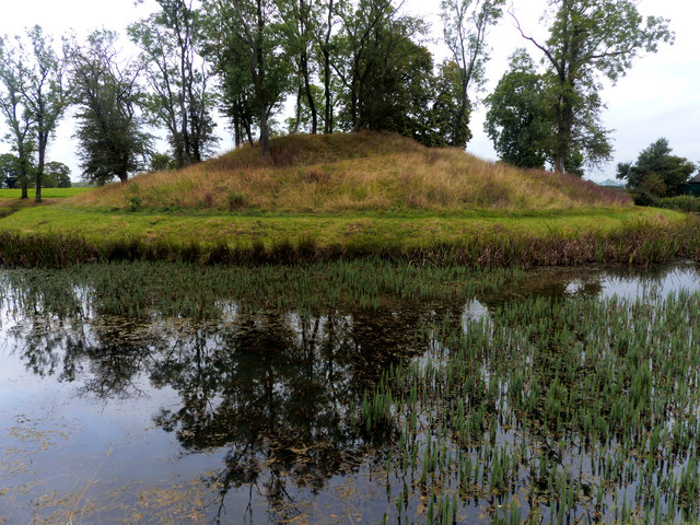 Lyveden New Bield moat and snail mound