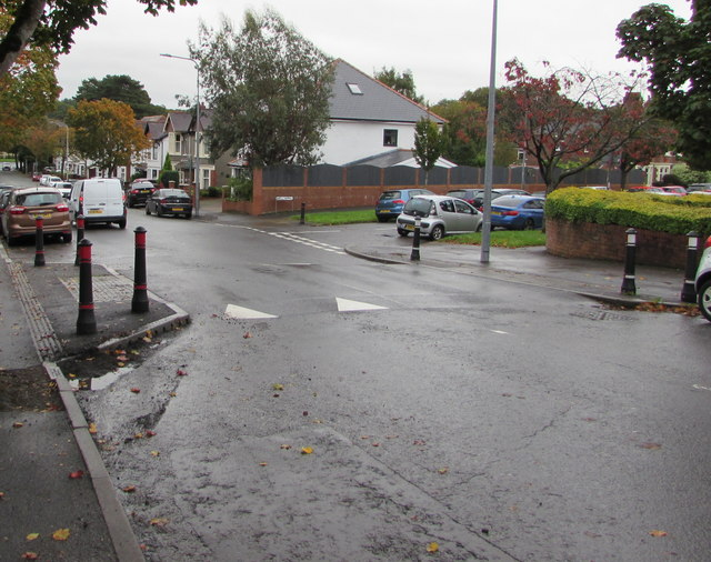 Traffic calming on Lake Road North, Heath, Cardiff