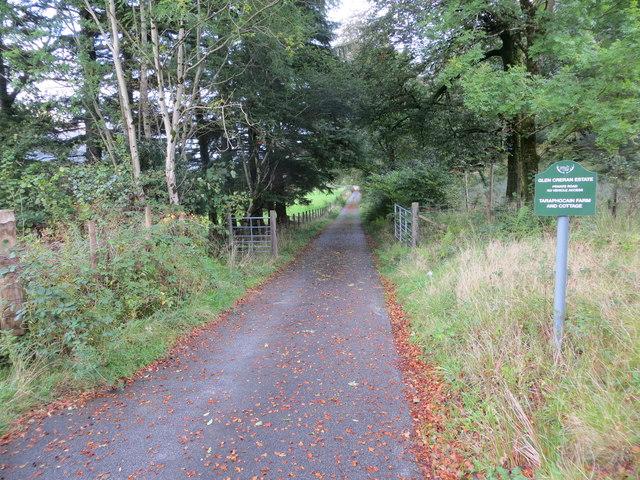 Track to Taraphocain Farm and Cottage
