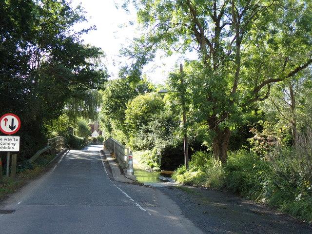 Ford & Bridge on Station Road