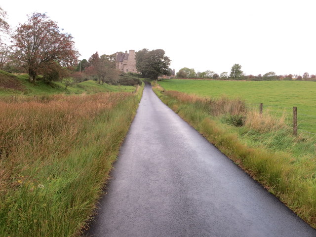 Road approaching Barcaldine Castle