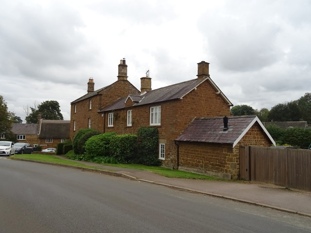 Houses on B4035, Swalcliffe