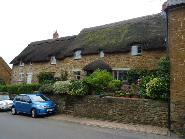 Thatched cottages on Main Street, Tadmarton