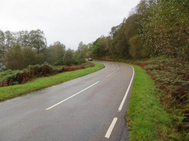 Road (B863) beside Caolas nan Con (Loch Leven)