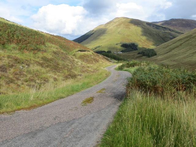 Minor road between Lower and Upper Glenfintaig in Glen Gloy