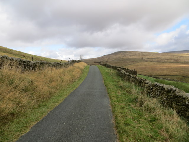 Fell Road near to Hoggs Hill
