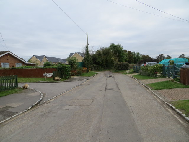The end of Walnut Tree Lane at Longwick