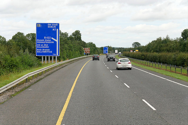 Eastbound M7 approaching Monasterevin