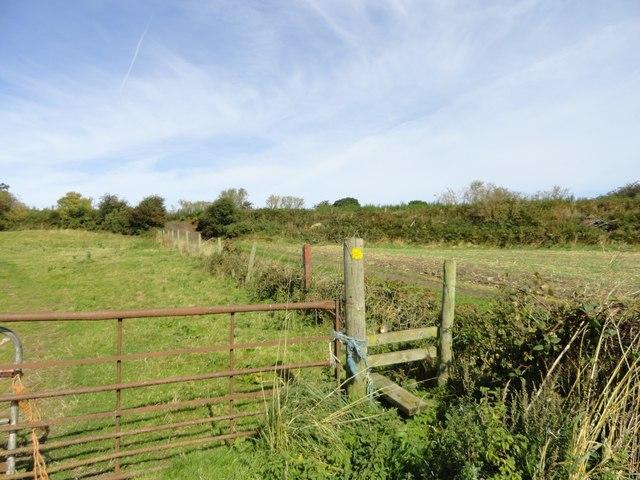 Stile on the field path near Eden Hill