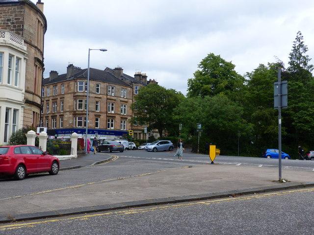 Traffic island on Kelvin Drive, Glasgow