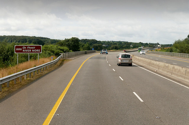Westbound M7 crossing River Nore