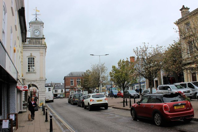 South Molton: The Square from the SE corner