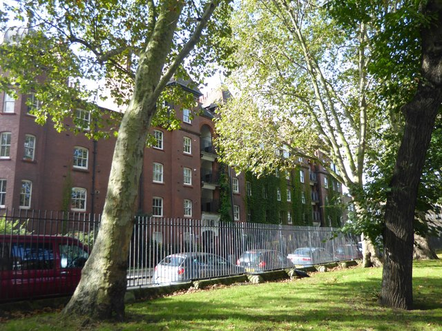 Dunstan House, Stepney Green