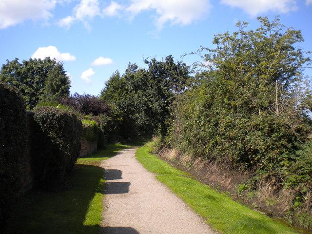 Lane passing Markeaton Stones