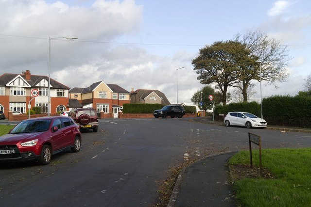Knutshaw Crescent junction with Doyle Road