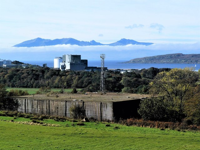 Isle of Arran from Hunterston, North Ayrshire by Raibeart MacAoidh