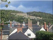 SJ0566 : Chwarel Graig o furiau tref Dinbych / Graig Quarry from Denbigh town walls by Ceri Thomas