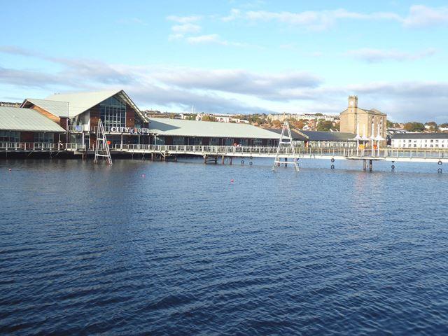 Footbridge over West Victoria Dock