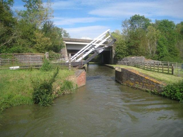 Oxford Canal: Coles Lift Bridge Number 183