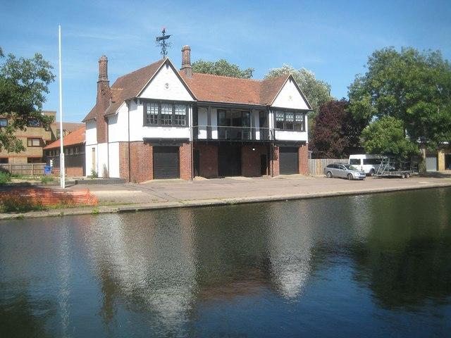 Cambridge: Trinity Hall boathouse