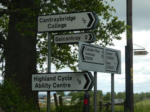 Signposts near Croy by Alex Passmore