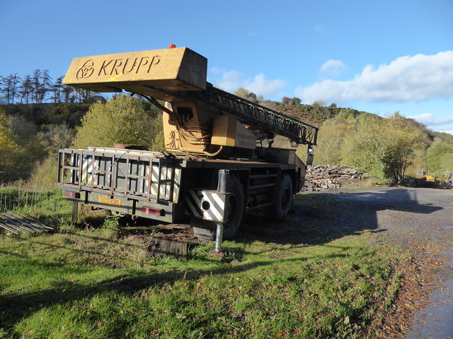 Abandoned crane beside the Hope Valley road