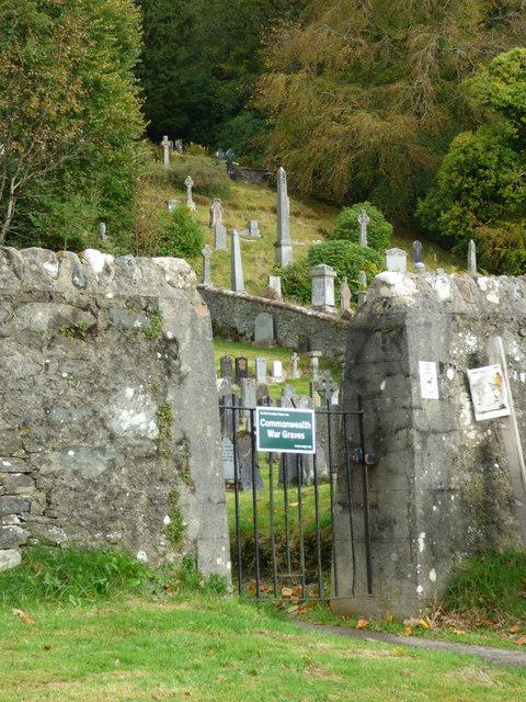 St Munn's Parish Church graveyard