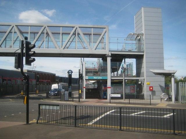 Docklands Light Railway: Star Lane station (eastern entrance)
