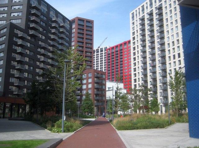 London City Island: Botanic Square, E14