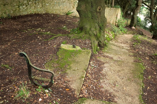 Remains of seat, Chapel Hill Pleasure Grounds