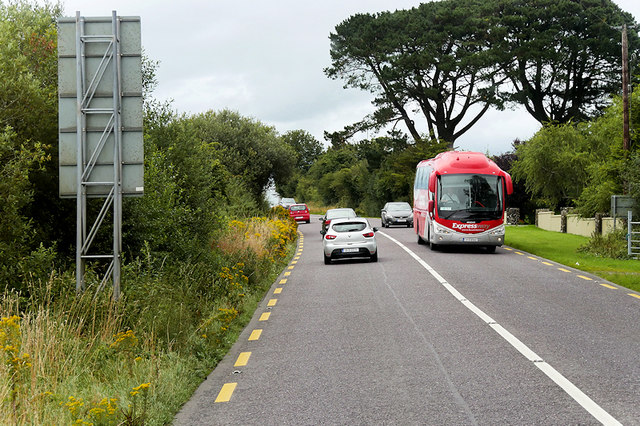 Expressway Bus on the N22 North of Killarney