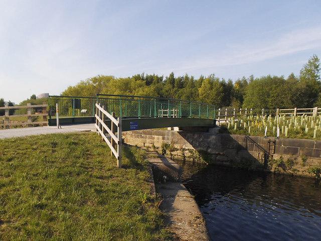 New bridge, Knostrop Cut (1)