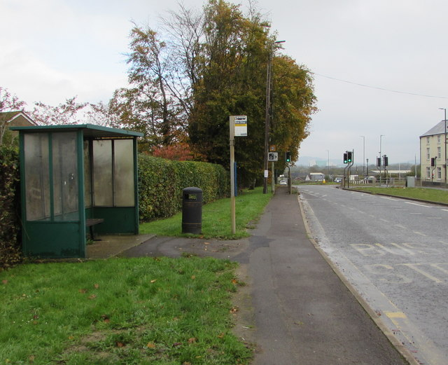 Bristol Road bus stop and shelter, Whitminster