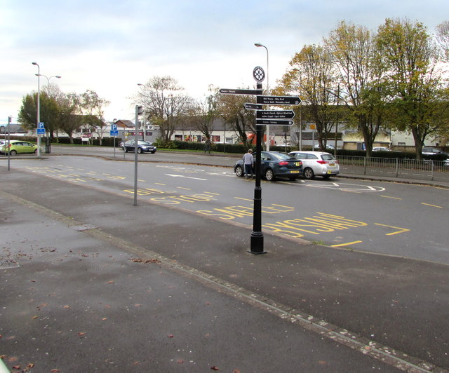 Black signpost, Le Pouliguen Way, Llantwit Major