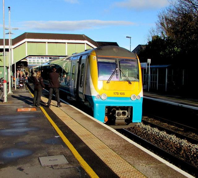 Class 175 dmu in Bridgend station