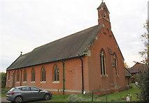 SU7167 : St Michael's Church, Basingstoke Road by Luke Shaw