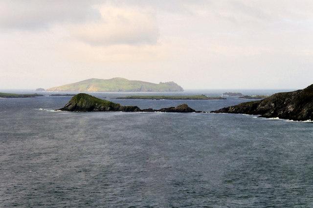 Coumeenoole Bay, Dunmore Head and Beginish Island