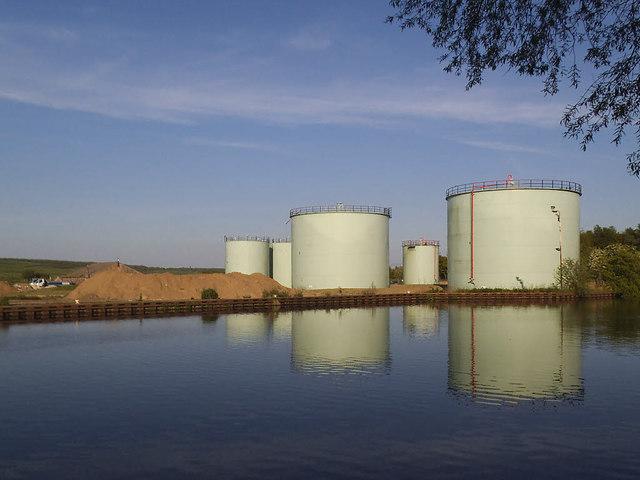 Fleet Bridge oil depot - storage tanks