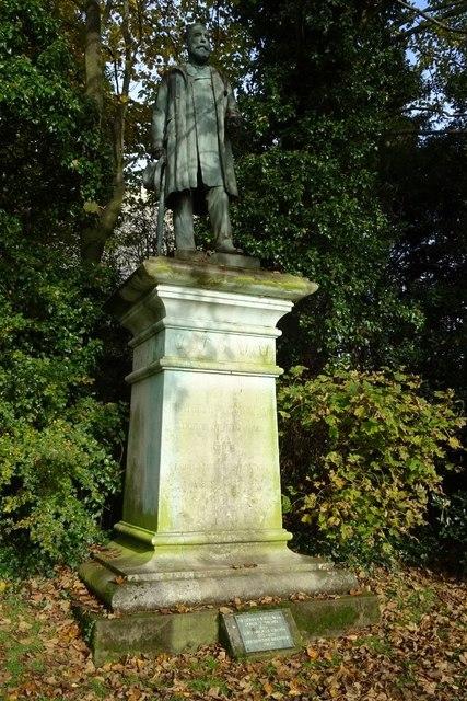 Statue of Sir Sydney H Waterlow