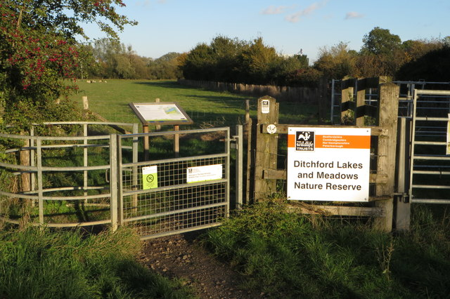 Entrance to Ditchford Lakes Nature Reserve