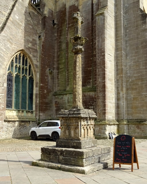 Medieval High Cross, West Market Place, Cirencester