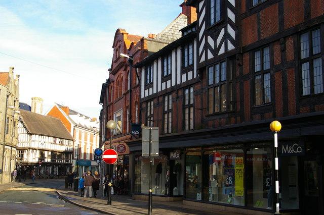 Oswestry: view along Cross Street