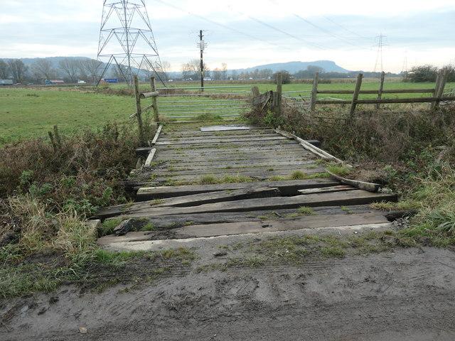 Dilapidated bridge off Moorditch Lane