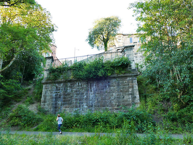 Abutment of the old Queen Margaret bridge