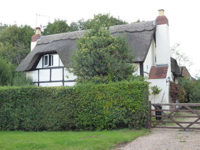 A thatched house in Worcester