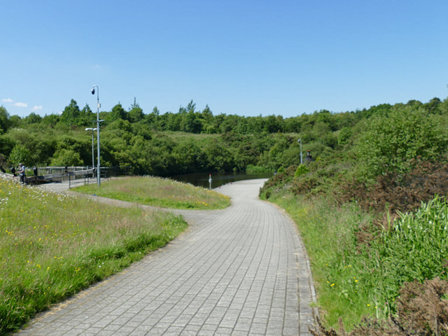 Path alongside the locks above the Falkirk Wheel