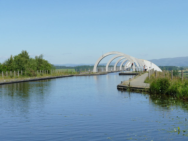Approaching the aqueduct to the Falkirk Wheel