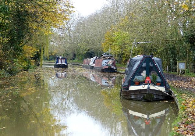 Moored narrowboats at Foxton