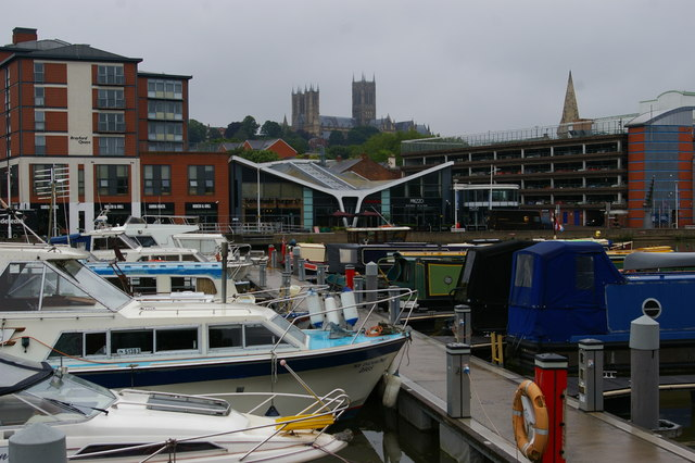 Lincoln: Brayford Pool and view up to the cathedral